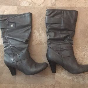 Size 8M Boots